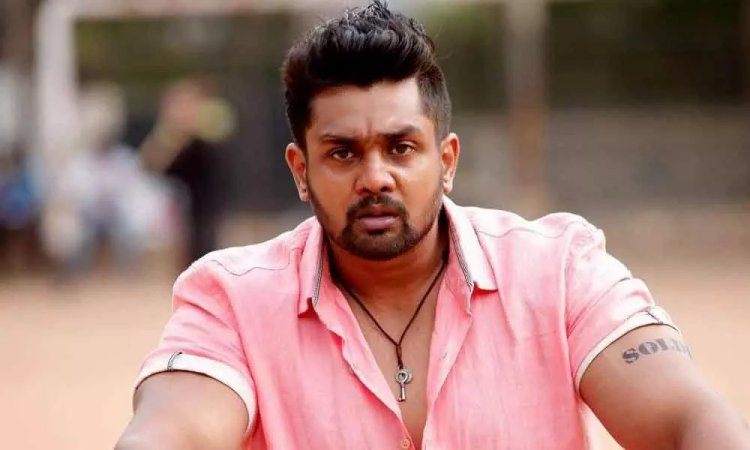 Dhruva Sarja Biography, Age, Height, Weight, Wife, Children, Family, Facts & More